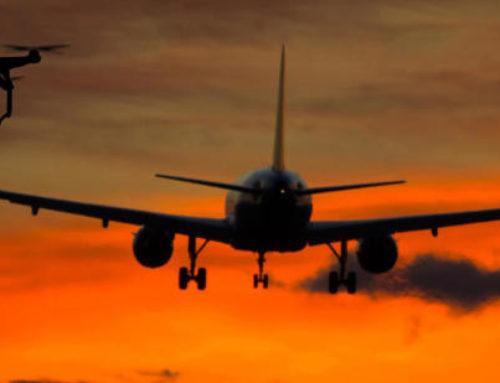 UN DRON IMPACTA CONTRA EL FUSELAJE DE UN AVIÓN EN EL AEROPUERTO ALICANTE-ELCHE